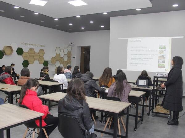 (Հայերեն) Մեծամորցի դպրոցականները մասնագիտական կողմնորոշման էին եկել
