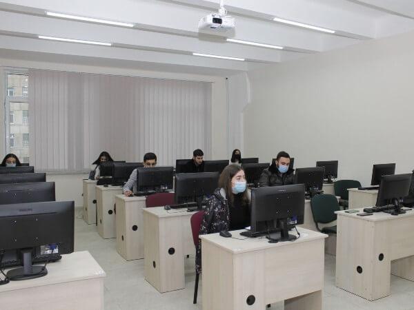(Հայերեն) Թեստային համակարգն արդարացված է. արձանագրում են ուսանողները եւ դասախոսները
